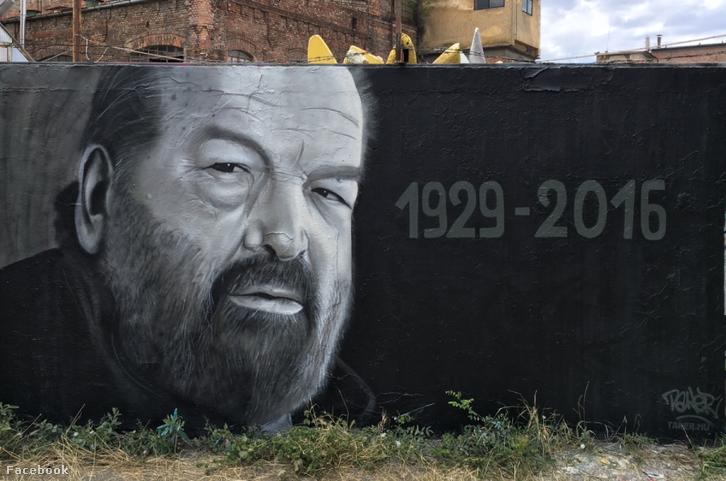 Hình ảnh Bud Spencer được khắc họa theo phong cách graffiti (tranh phun sơn) bởi tác giả TakerOne tại bến HÉV Filatorigát, Budapest, ngay sau khi ông từ trần - Ảnh: facebook.com/takeronegraffiti