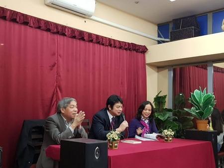 Các thành viên BBT báo trong buổi giao lưu - Ảnh: Phan Anh Sơn