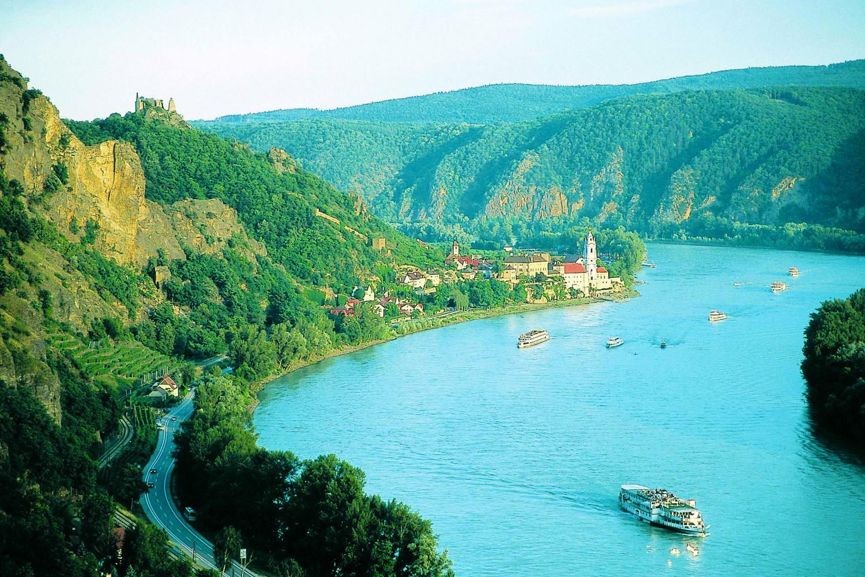 Dòng sông xanh