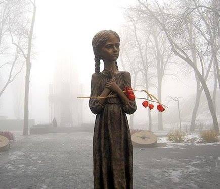 Nạn đói năm 1932-33 tại Ukraine, miền đất đen màu mỡ bậc nhất thế giới, làm chết hơn 2 triệu người