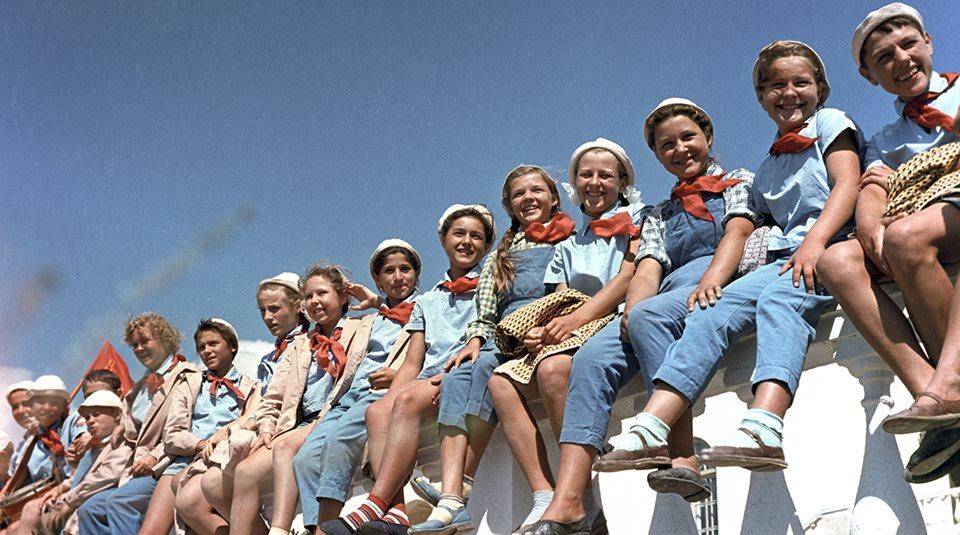 Thiếu nhi tại trại hè Artek, năm 1963