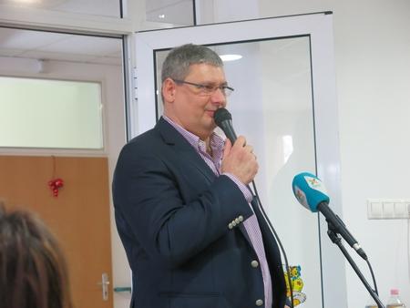 Quận trưởng Kovács Robert phát biểu