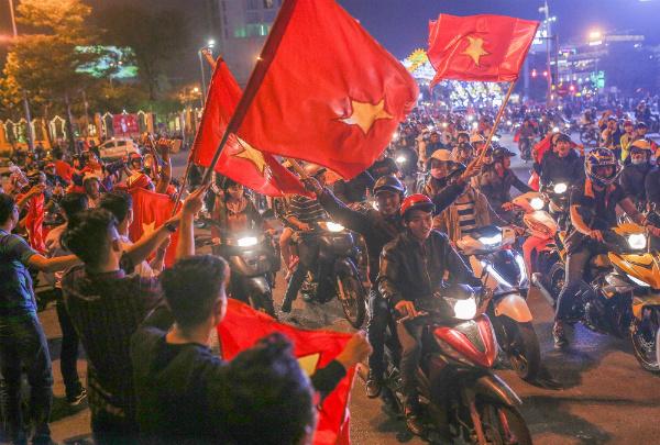 Niềm vui chiến thắng, và sự gợi mở - Ảnh: Nguyễn Đông (vnexpres.net)