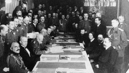 Lễ ký kết Hiệp ước Brest-Litovsk - Ảnh tư liệu