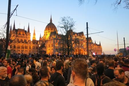 Cuộc biểu tình và tuần hành thu hút nhiều vạn người tham dự