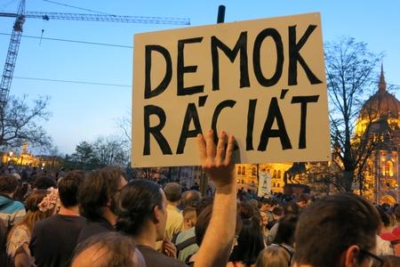 Đòi dân chủ