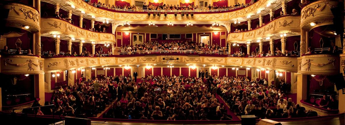 Nhà hát Hài kịch