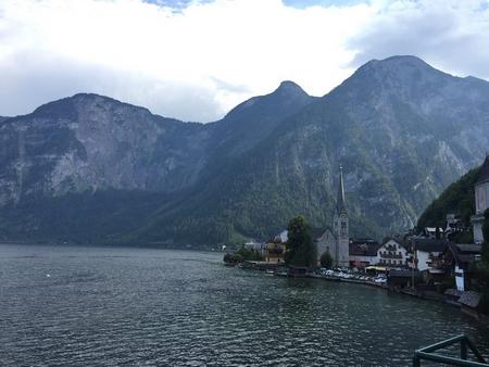 Ngôi làng bên hồ đẹp nhất thế giới Hallstatt (Áo)