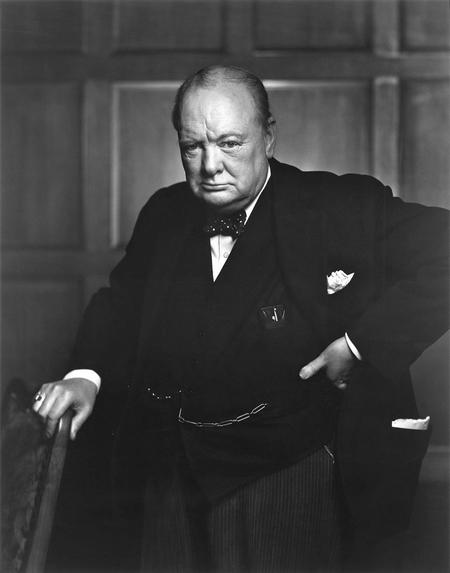 Tấm ảnh nổi tiếng chụp Winston Churchill của nhiếp ảnh gia Yousuf Karsh