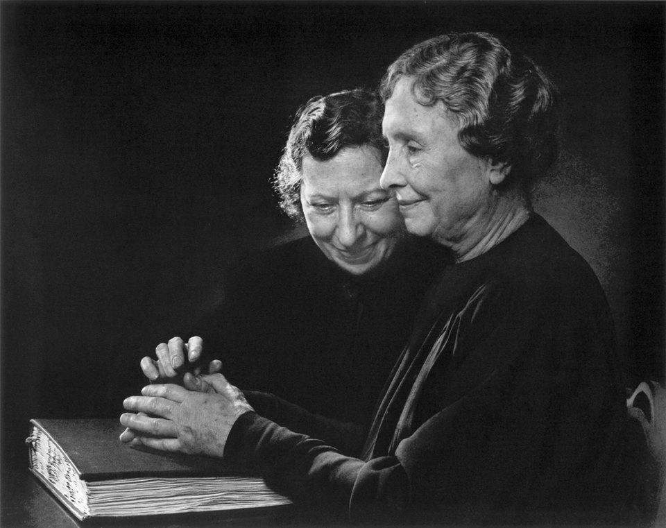 Helen Keller và Polly Thompson (1948)