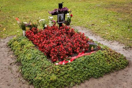 Mộ phần giản dị của cựu tổng thống Göncz Árpád tại nghĩa trang Óbuda (Quận 3, Budapest) - Ảnh: ripost.hu