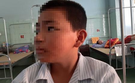 Câu chuyện một học sinh lớp 6 phải nhập viện vì bị cô bắt các bạn tát 231 cái và hiệu trưởng xin báo chí đừng lên tiếng bởi trường sắp được công nhận danh hiệu Trường chuẩn Quốc gia đang khiến mạng xã hội Việt Nam dậy sống - Ảnh: soha.vn