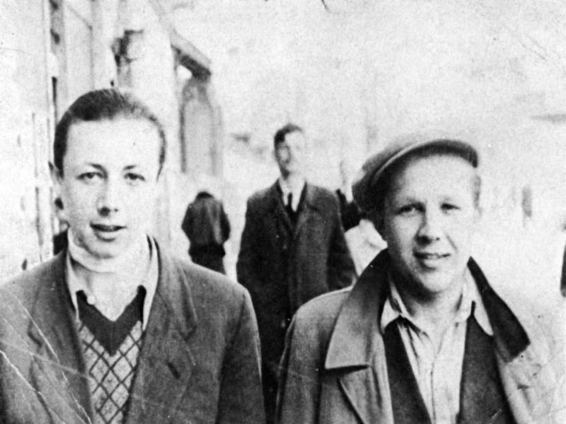 Simcha Rotem (trái) sau cuộc khởi nghĩa Do Thái tại Warszawa năm 1943 - Ảnh tư liệu