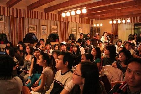 Các bạn trẻ đến với BPI 2008 tại Ngôi Nhà Việt