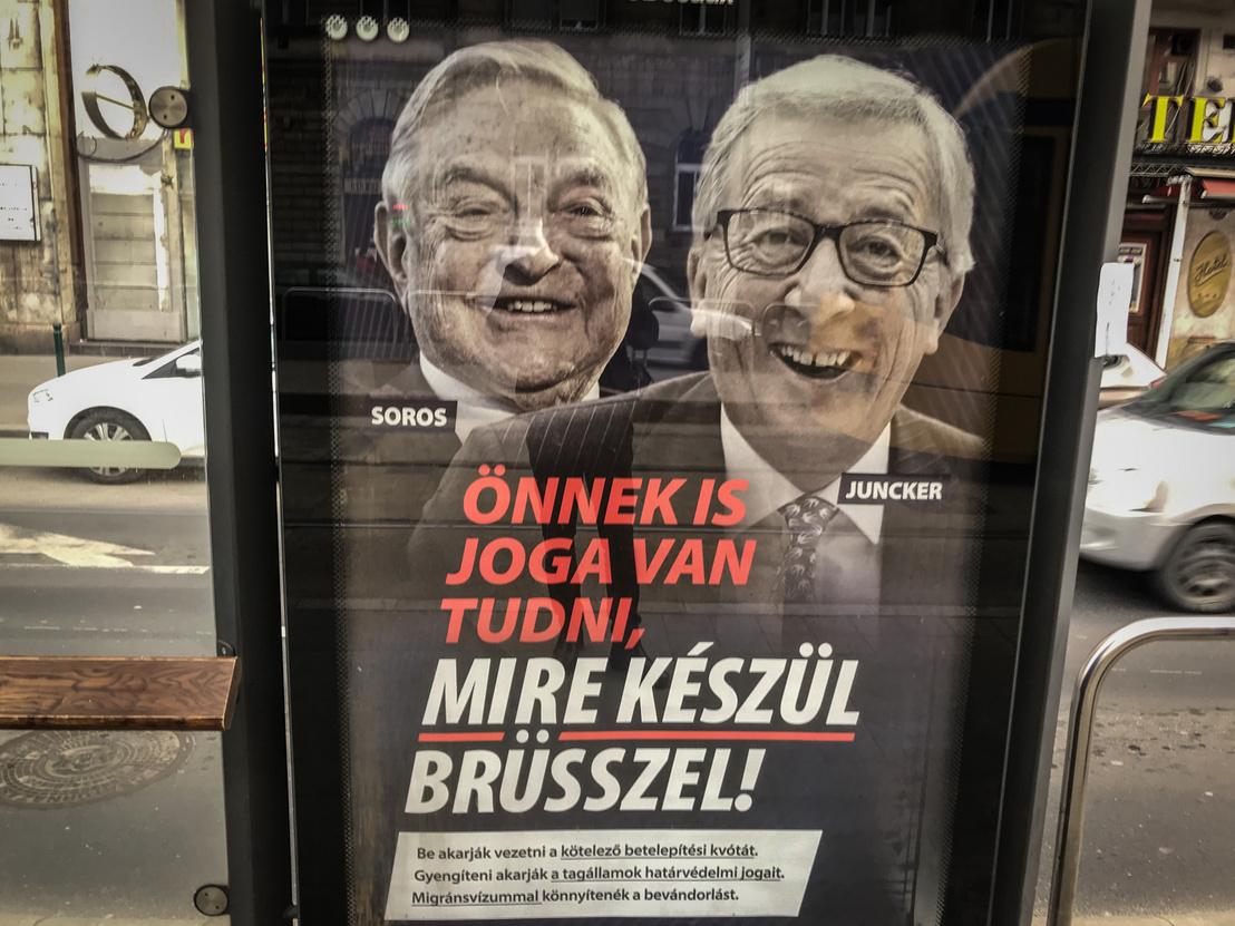 Tuyên truyền tranh cử của phe cầm quyền tại Hungary, trong đó tỷ phú Soros và Chủ tịch Ủy ban Châu Âu Juncker bị công kích như những kẻ gây bất ổn tại Liên Âu - Ảnh: index.hu