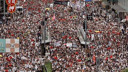 Hàng triệu người biểu tình phản đối luật dẫn độ. Chủ nhật 9-6-2019, Hồng Kông