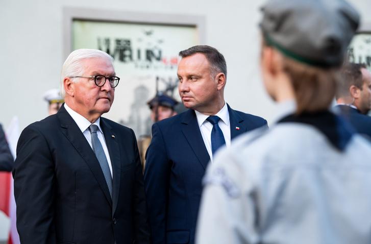 Tổng thống Đức Frank-Walter Steinmeier (trái) và người đồng nhiệm Ba Lan Andrzej Duda trong lễ kỷ niệm ngày 1-9-2019 tại Warszawa