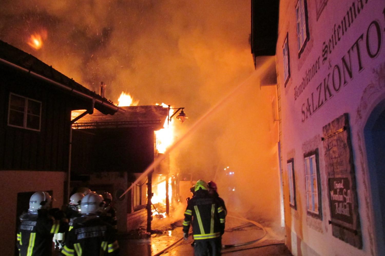 Lính cứu hỏa làm việc hiệu quả