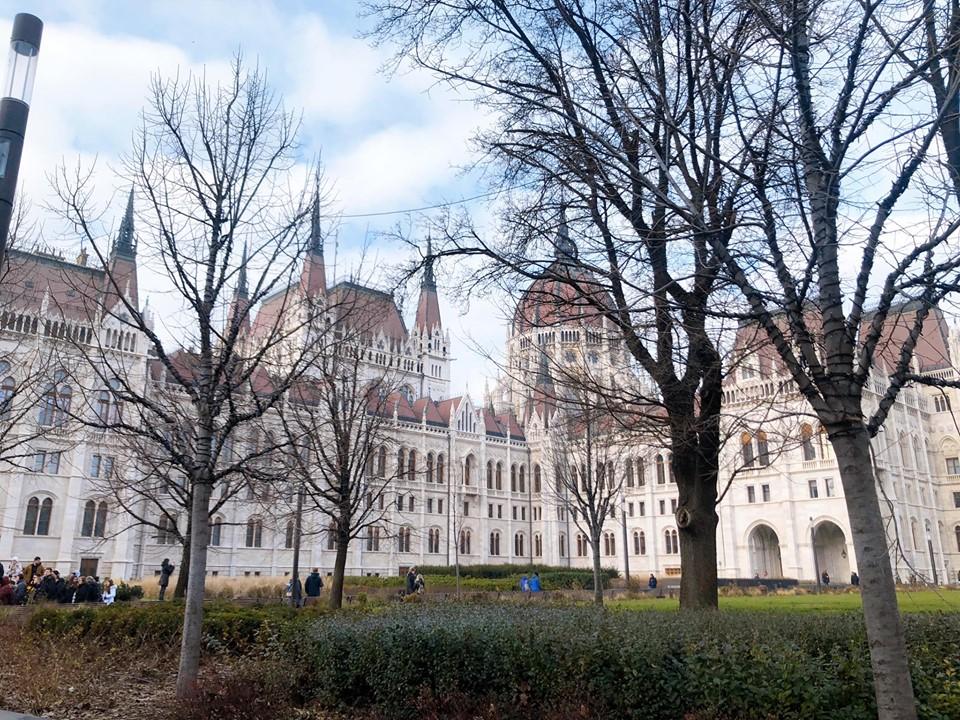Quần thể kiến trúc biểu tượng của nhà nước Hungary