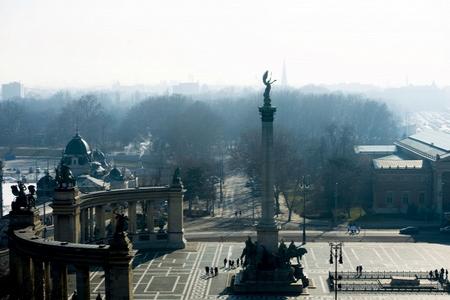 Quảng trường Anh Hùng, một địa danh nổi tiếng thu hút du khách tại Hungary - Ảnh: Bielik István (origo.hu)