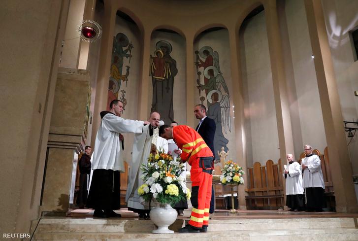 Vanek Ákos trong sự kiện quan trọng của đời mình - Ảnh: Szabó Bernadett (Reuters)