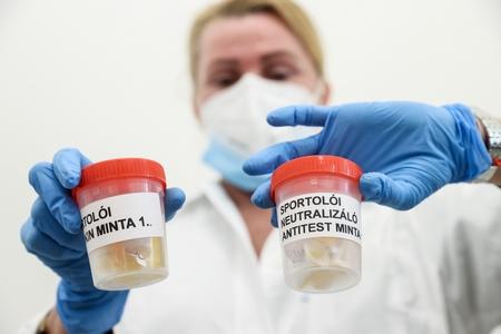 Hungary đã áp dụng liệu pháp truyền huyết tương cho bốn bệnh nhân Covid-19 và cho kết quả khả quan - Ảnh: index.hu