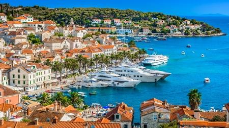 Biển Croatia - cường quốc du lịch mới vùng Adriatic với hơn 18,5 triệu du khách năm 2017 - đã sẵn sàng để đón du khách Hungary - Ảnh: emerging-europe.com