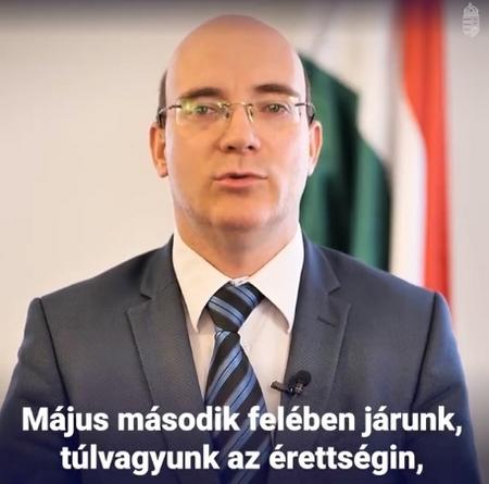 Quốc vụ khanh Giáo dục Maruzsa Zoltán - Ảnh chụp màn hình