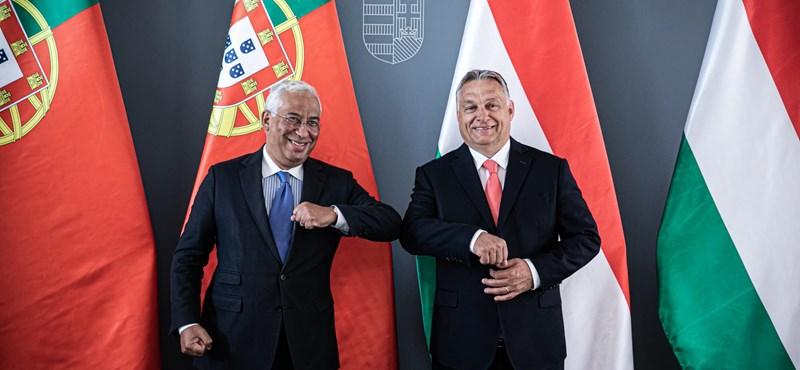Thủ tướng Bồ Đào Nha, ông Antonio Costa (trái), cùng người đồng nhiệm Hungary, Thủ tướng Orbán Viktor - Ảnh: hvg.hu