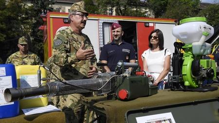 Buổi ra mắt Đơn vị Trực chiến Dịch tễ, Budapest ngày 7-8-2020 - Ảnh: Kovács Tamás (MTI)