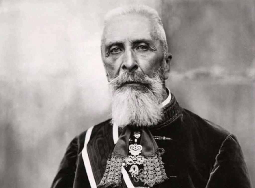 """Bá tước Apponyi Albert: """"Quý vị giờ đây đã đào mồ chôn nước Hung, nhưng Hungary sẽ có mặt tại tang lễ của tất cả các quốc gia mà bây giờ đang đào nấm mồ cho nước Hung"""""""