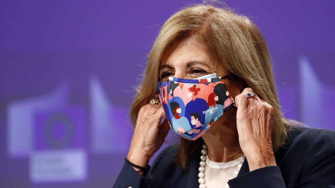 Cao ủy phụ trách Y tế và An toàn Thực phẩm của Ủy ban Châu Âu, bà Stella Kyriakides - Ảnh: Francois Lenoir (MTI/EPA/Reuters)