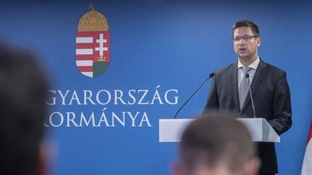 Bộ trưởng Gulyás Gergely từng dương tính với Coronavirus chủng mới - Ảnh: Szigetváry Zsolt (MTI)
