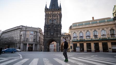 Praha, một trong những trung tâm của du lịch Châu Âu, vắng vẻ trong mùa dịch Covid-19 - Ảnh: coe.int