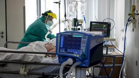 Chăm sóc bệnh nhân niễm Covid-19 trong mùa dịch bệnh