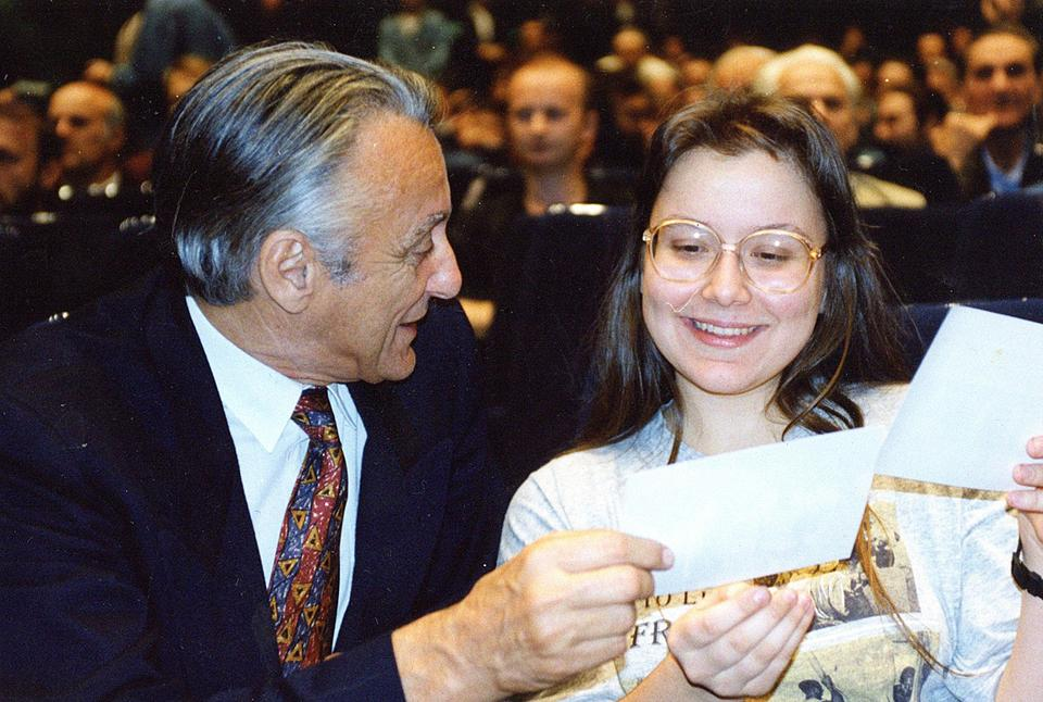 Kubát János, người tổ chức trận thư hùng năm 1992 và Rajcsányi Zita, cô nữ sinh đã khiến Bobby Fischer trở lại với cờ vua, dù chỉ trong khoảng thời gian ngắn - Ảnh tư liệu