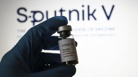 Sputnik V, vaccine của Nga - Ảnh: Hakan Nural (Anadolu Agency)