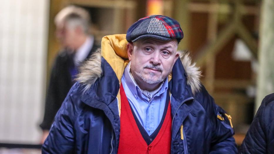 Nghệ sĩ Lagzi Lajcsi cũng bị nhiễm Covid-19 nên không thể có mặt ở phiên xử - Ảnh: Isza Ferenc (blikk.hu)