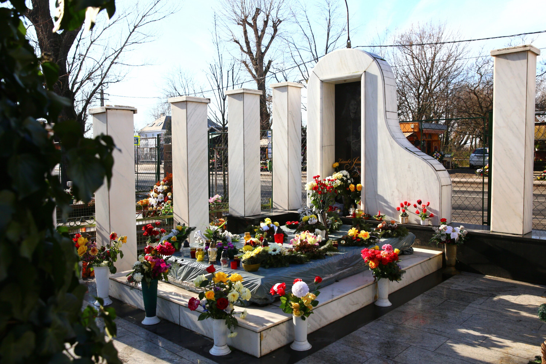 Mộ phần của Zámbó Jimmy tại nghĩa trang Csepel - Ảnh: Hirling Bálint (origo.hu)