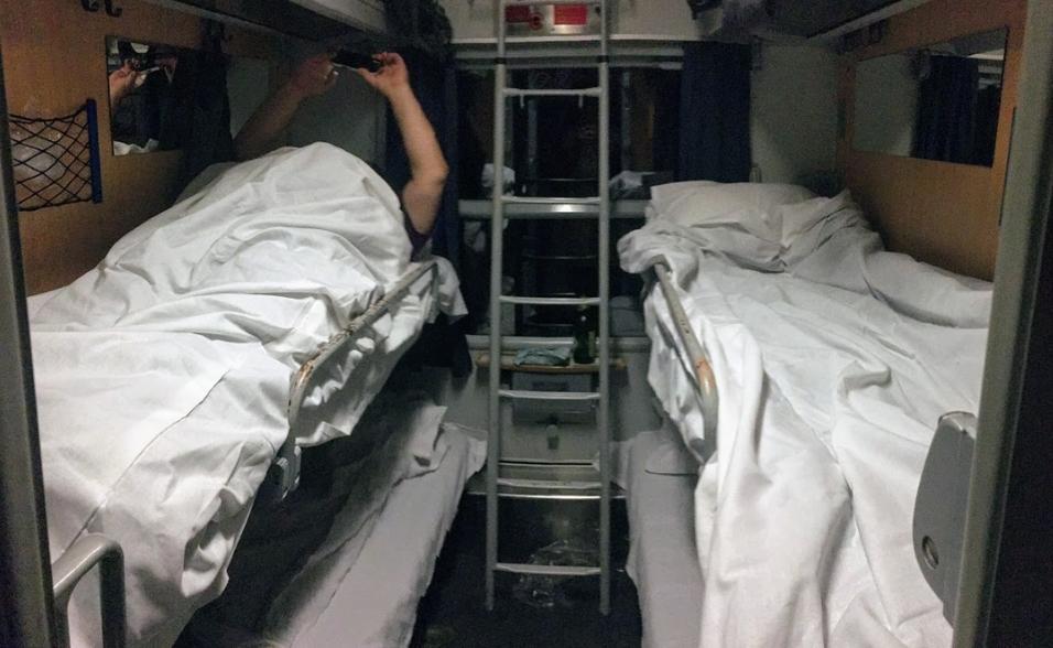 Phòng ngủ trên tàu - Ảnh: Tenczer Gábor (index.hu)