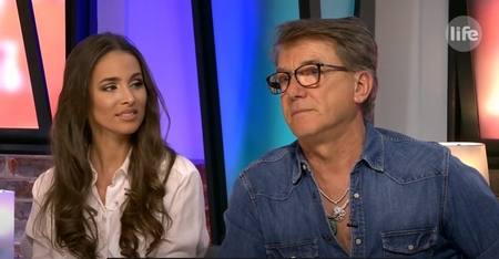 """Delhusa Gjon trong chương trình """"Life TV Bréking"""" - Ảnh: 24.hu"""