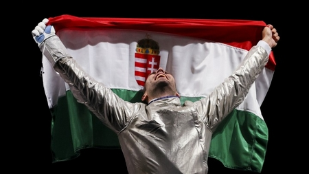Szilágyi Áron làm nên lịch sử với HCV Thế vận thứ 3 liên tiếp trong nôi dung kiếm chém nam